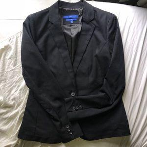 Apt 9. suit